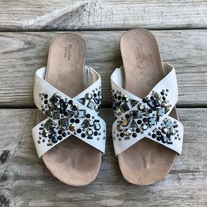 Simply Vera Very Wang White Jeweled Sandals